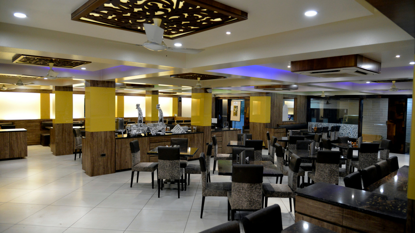 Cafe Royale Veg Restaurant in Nashik